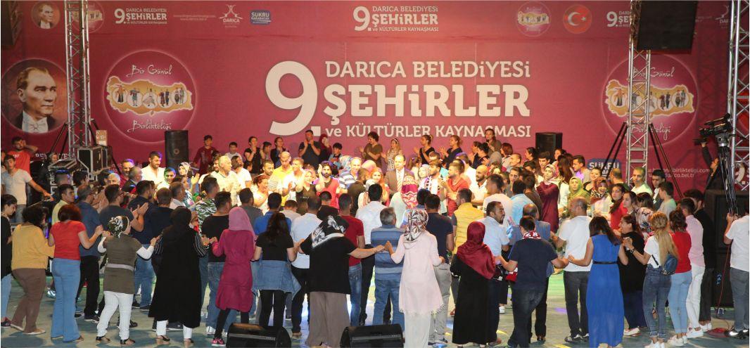 Sivaslılar Sahne Aldı