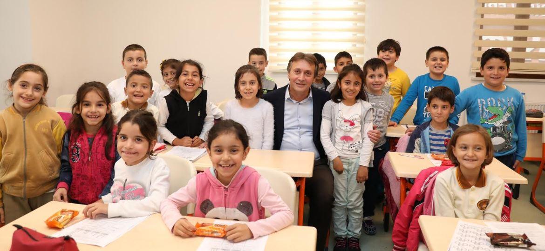 Başkan Demirci Yeni Semt Konağını Gezdi