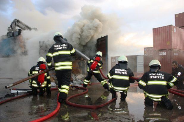 Altı ayda bin 393 yangına müdahale