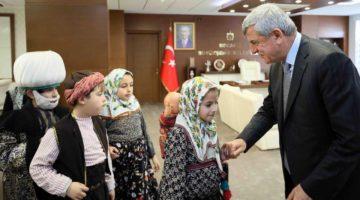Karaosmanoğlu, Grup Turkuaz'ı kutladı
