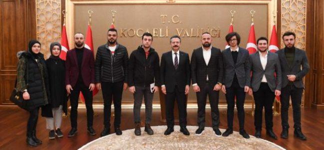 Trabzonlu gençler Vali Aksoy'u ziyaret etti