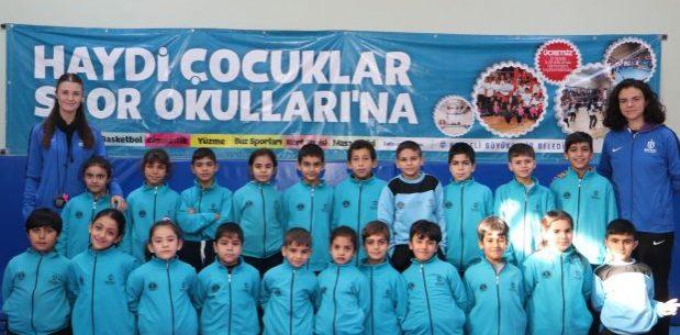 555 yabancı öğrenci, Ücretsiz Spor Okullarında