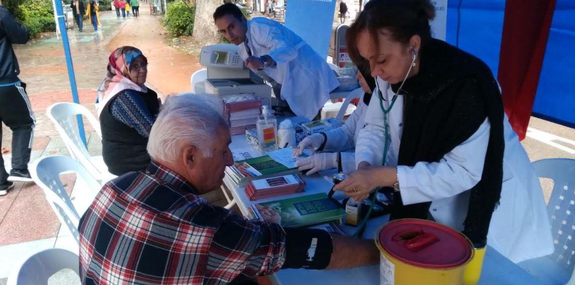 Dünya Yaşlılar Günü'nde ücretsiz sağlık kontrolü